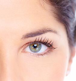 Как избавиться от морщин под глазами? Мнение специалистов
